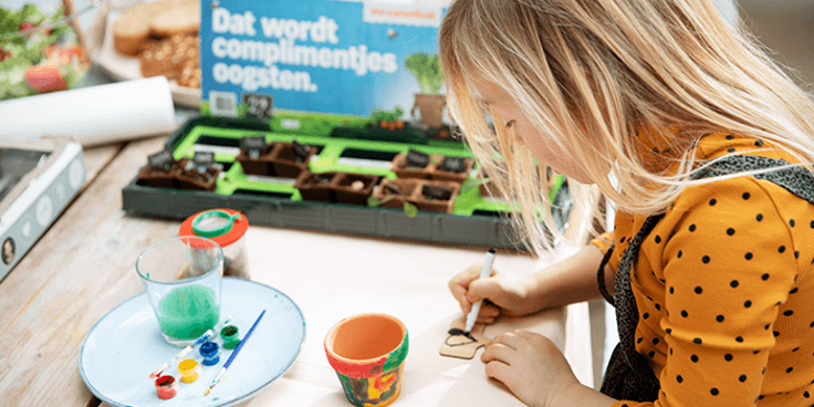 Met de MoestuinMaatjes van Albert Heijn kan je met de kids tuinieren.