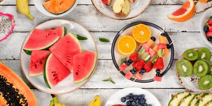 Proef het beste van de zomer met seizoensgroenten en -fruit. Maak zelf een zomersalade of pesto. Geniet van een ijskoud pilsje of zelfgemaakt ijsje en geniet bovenal van de zon. Schol; op de zomer!