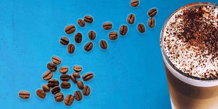 Latte macchiato kan je ook maken met sojamelk. Lees dit en meer tips bij Albert Heijn!