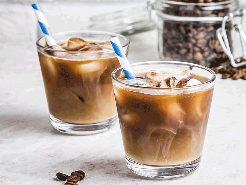 Er zijn genoeg alternatieven voor een bakje koffie, zoals een kopje thee of een ijskoffie.