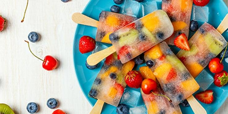 Zelf ijsjes maken wordt  een eitje met de tips en producten van Albert Heijn.