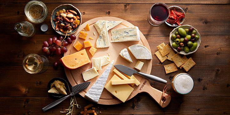 De lekkerste kaasplankjes bestel je bij Albert Heijn. Bestel meteen je toast, wijn en borrelhapjes mee!