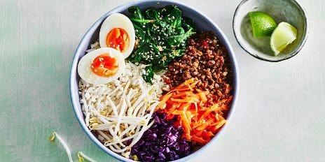 Koolhydraatarm diner: Bloemkoolrijstbowl met groenten