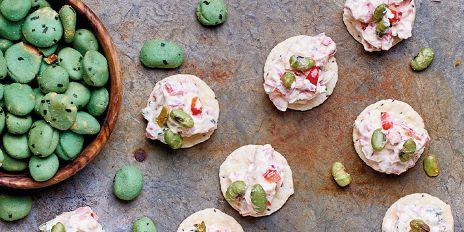 Sea salt crackers met pittige groentenspread