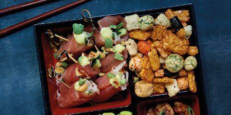 Tonijnrolletjes met Wasabi peanut cruch