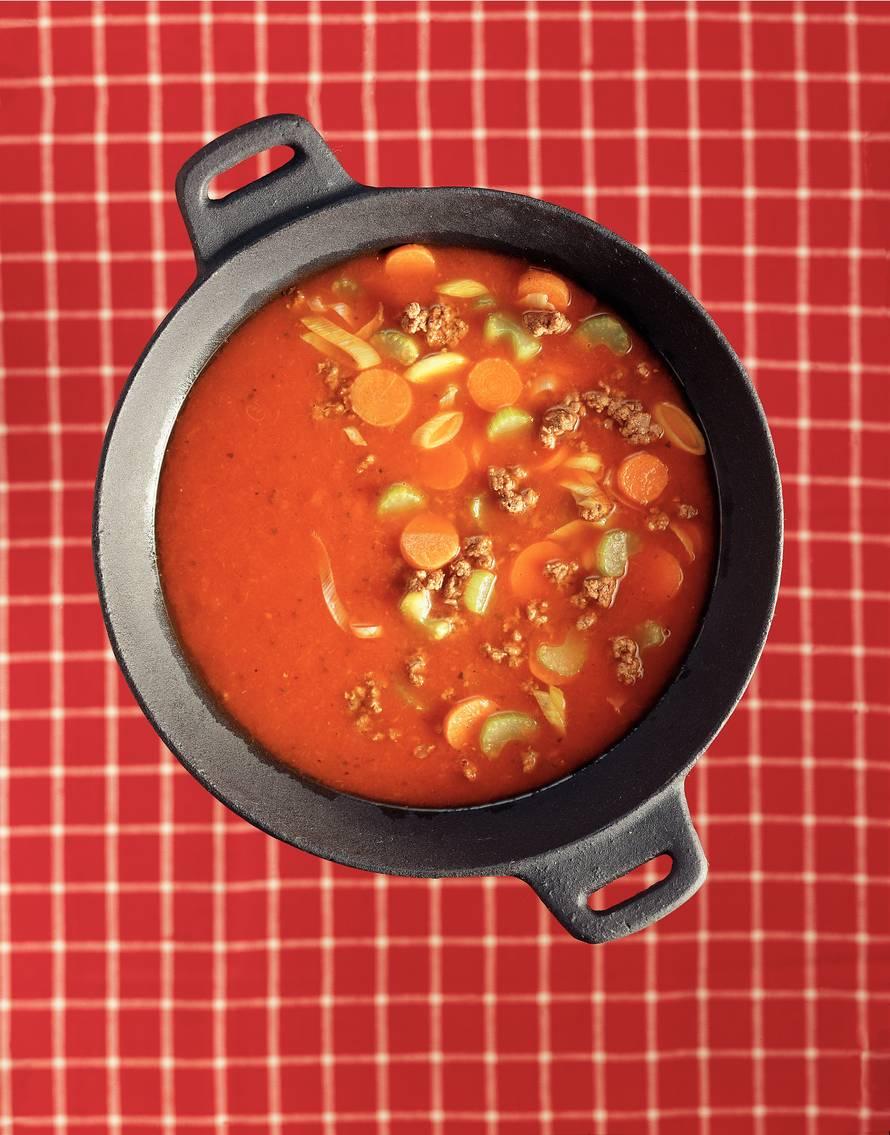 Tomaten-roerbaksoep met gehakt