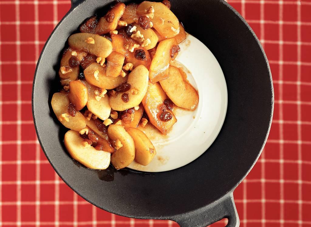 Winterfruit uit de wok met kaneelstroop - Albert Heijn