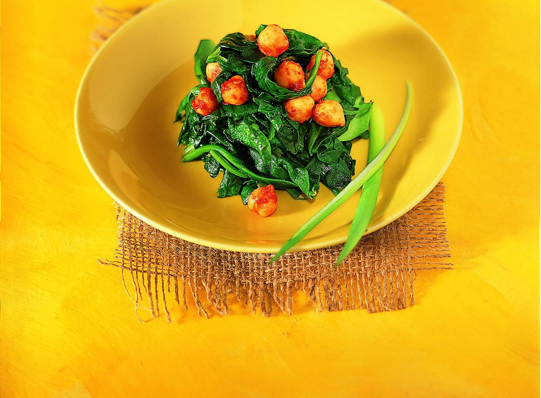 Kruidige spinazie met kikkererwten