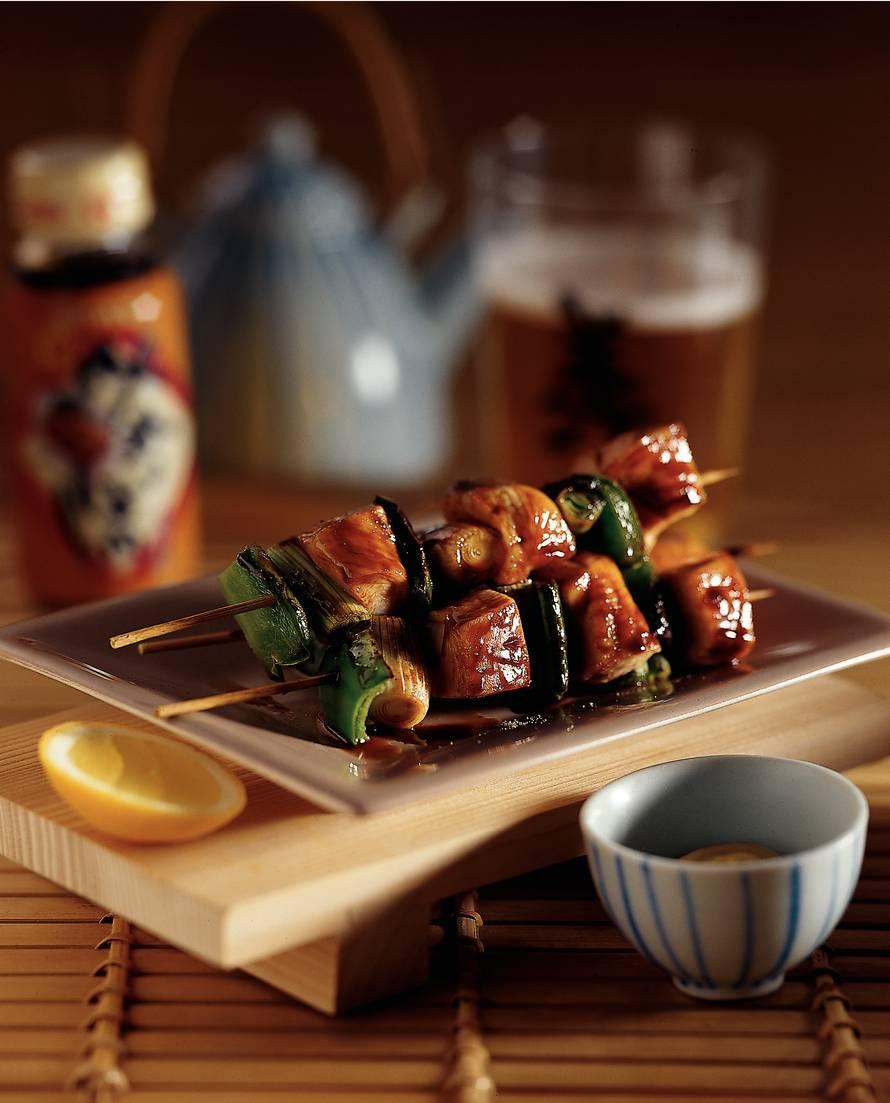 'Yakitori' met paprika en bosui