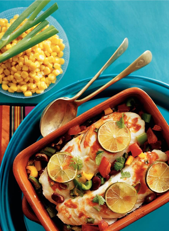 Mexicaanse visschotel met salsa