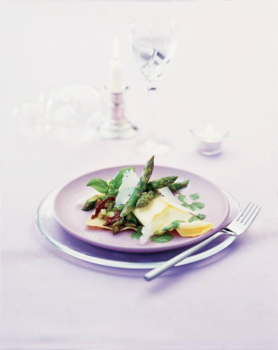 Ravioli gevuld met groene asperges en manchegokaas