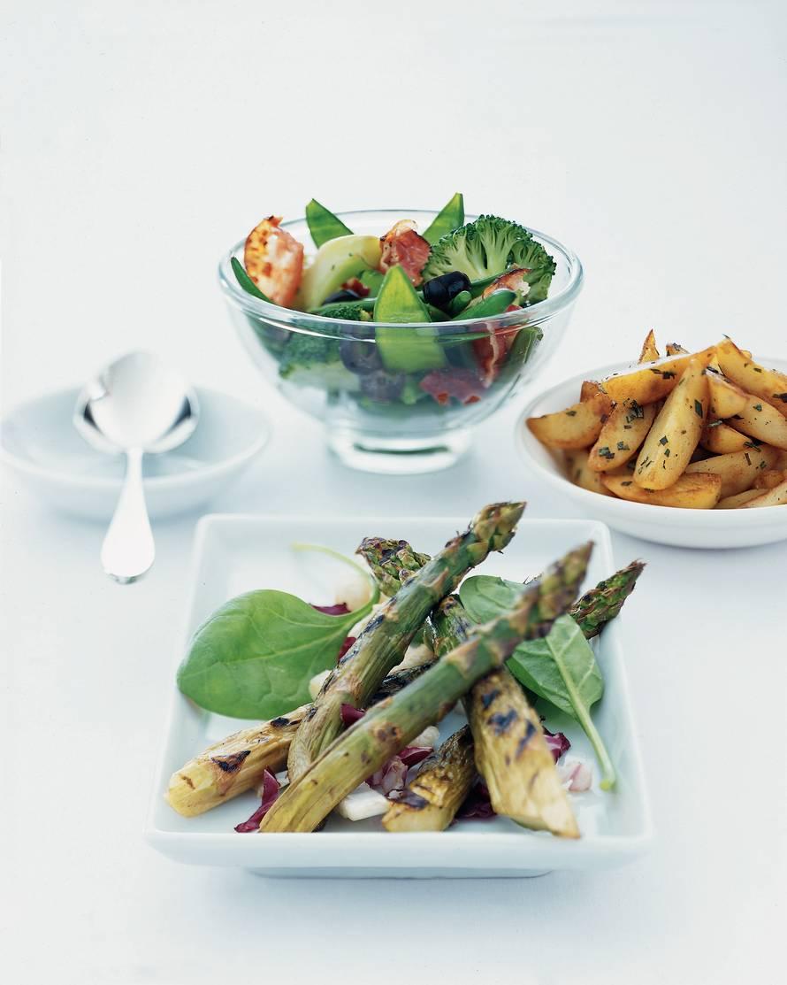 Salade met geroosterde groene asperges