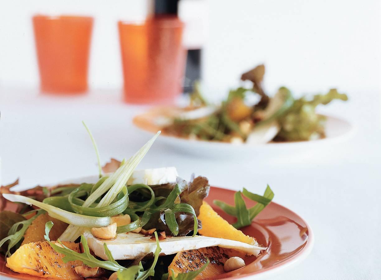 Salade van sinaasappel en brie
