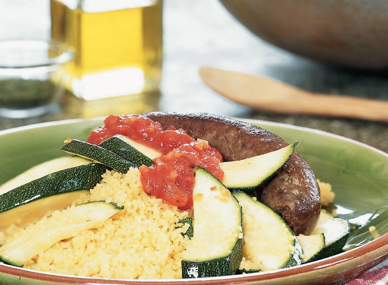 Courgette met couscous en runderworst