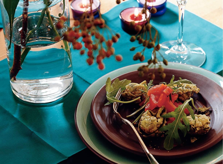 Gefrituurde tortelloni met salsa