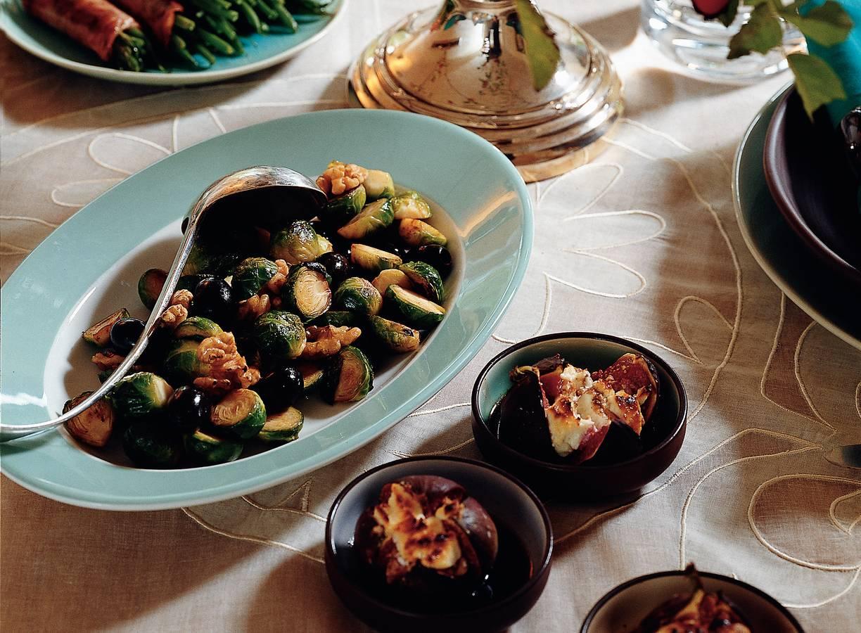 Spruitjes met walnoot en olijven