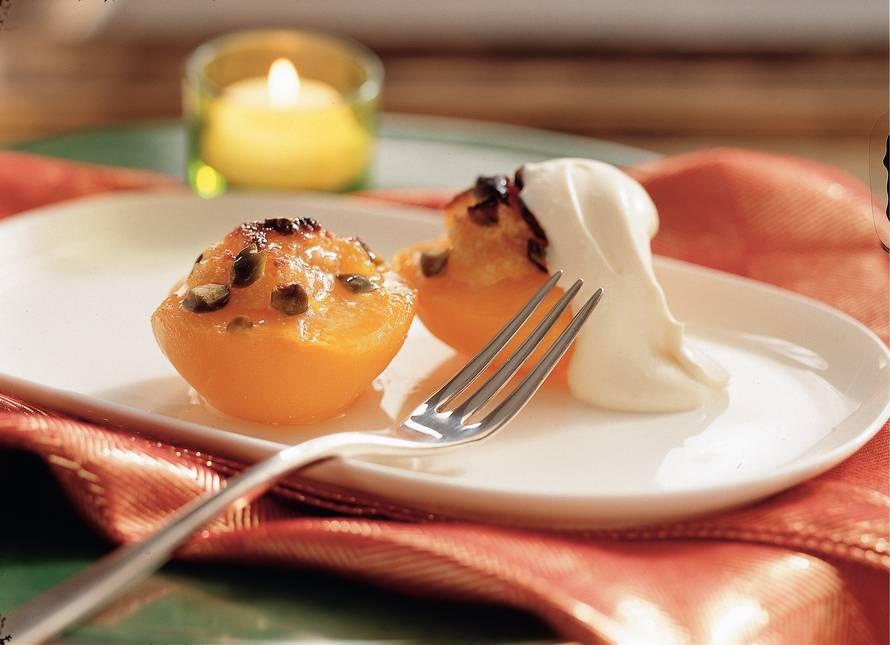 Gevulde perziken met room