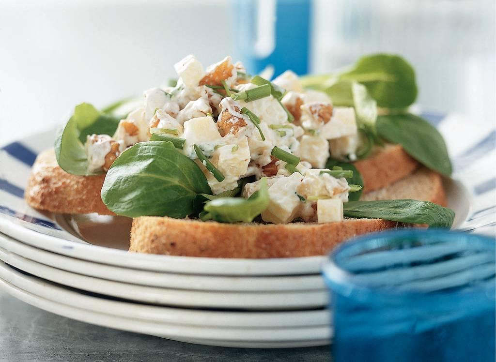 Salade met kaas en sinaasappelmarmelade - Albert Heijn