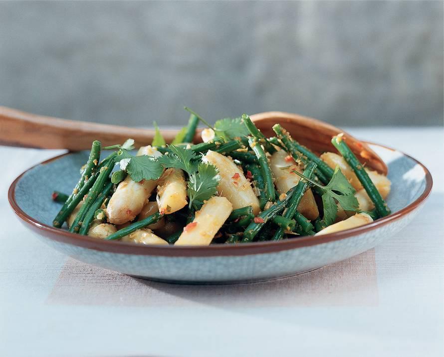 Roergebakken asperges met haricots verts