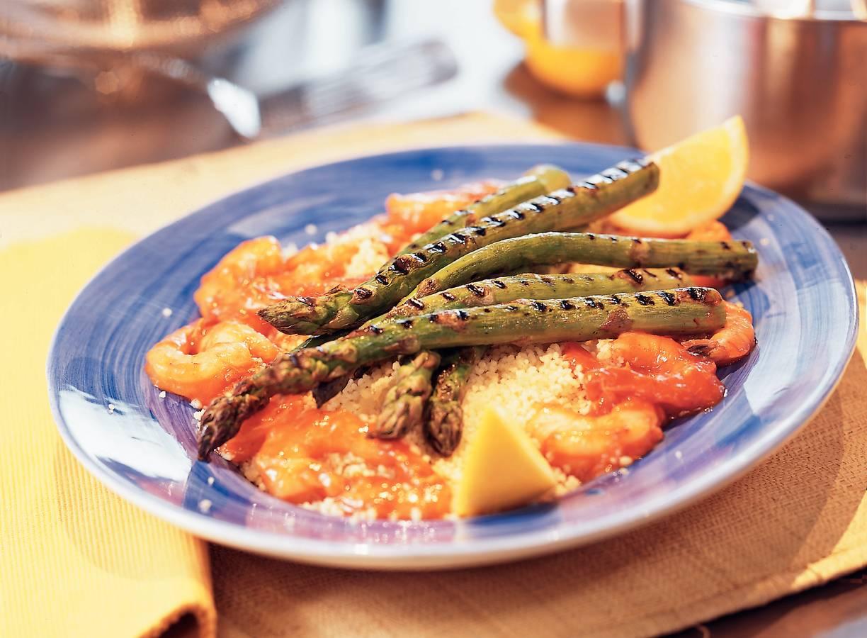 Couscous met asperges en garnalen