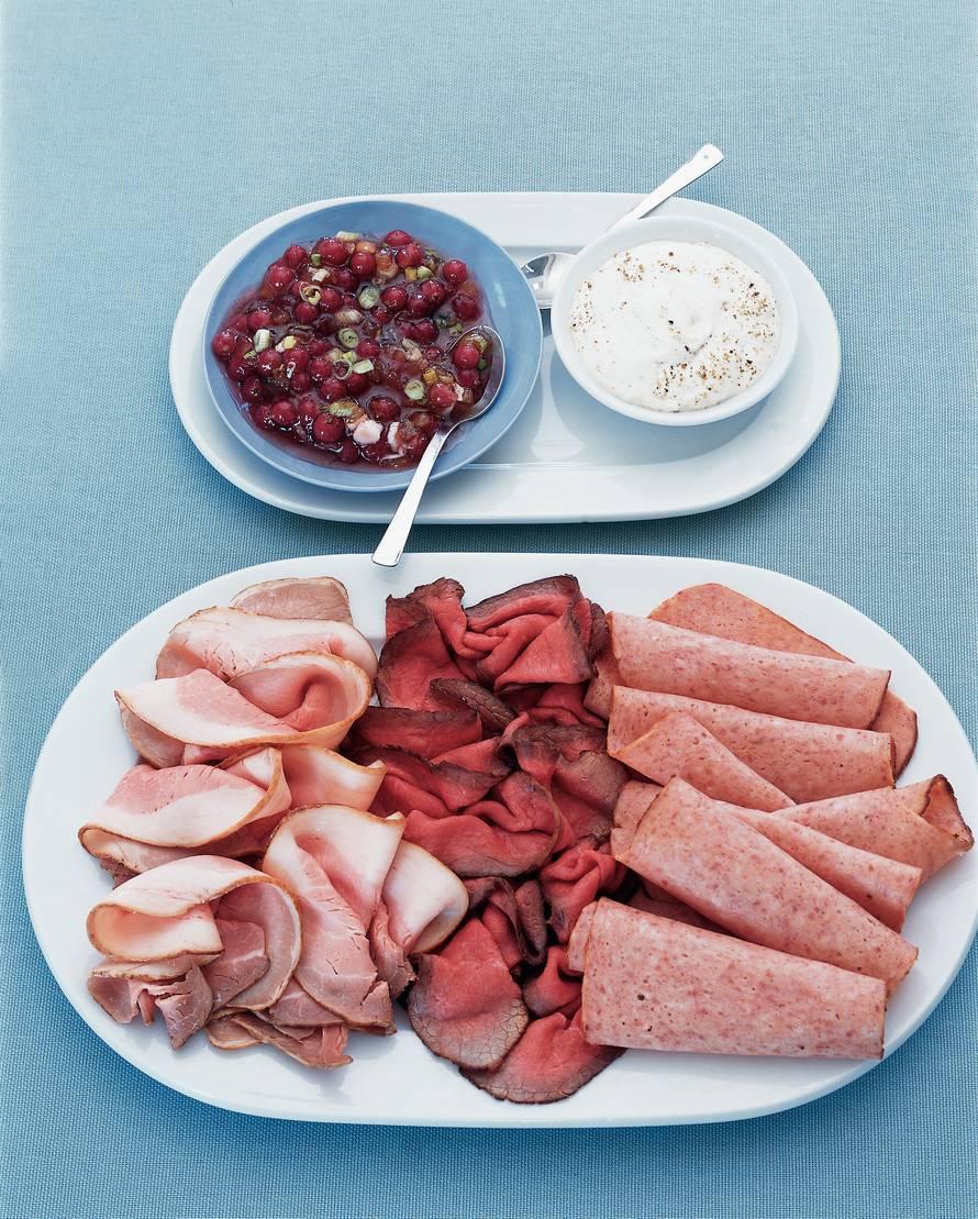 Vleesschotel met mosterdroom en bessensaus