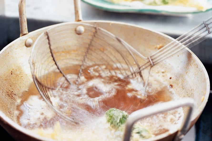 Oosterse groentebeignets (tempura)