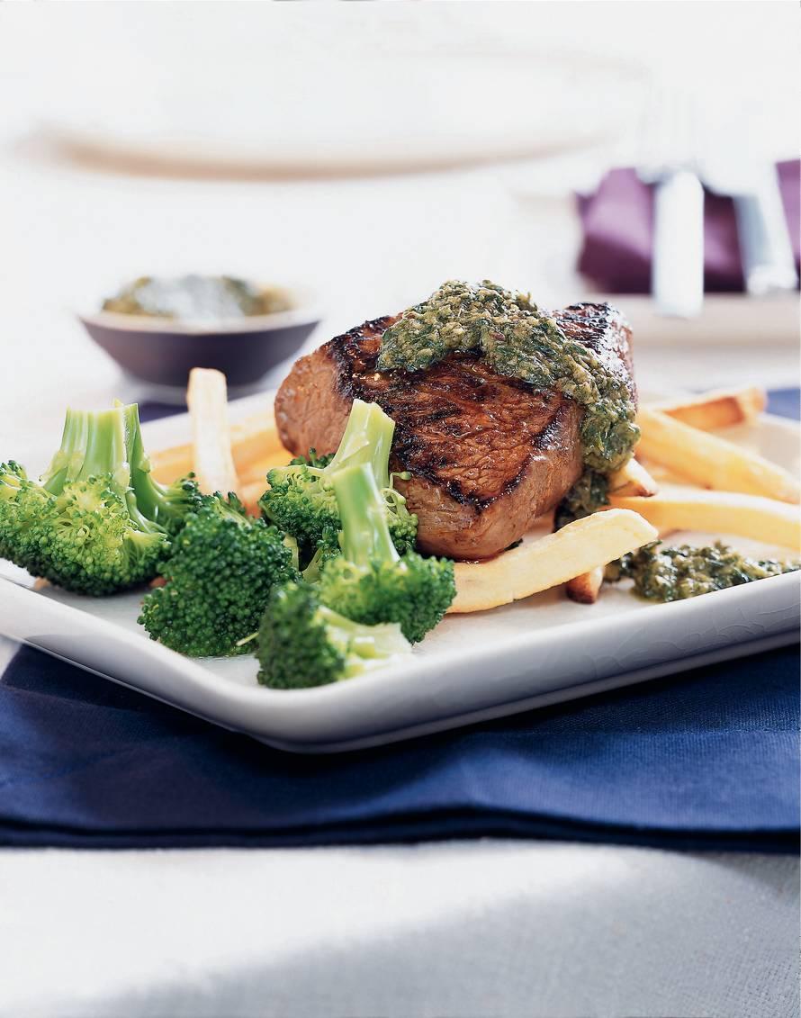 Gegrilde biefstuk met salsa verde