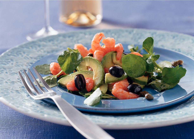Salade met jumbogarnalen, avocado en waterkers