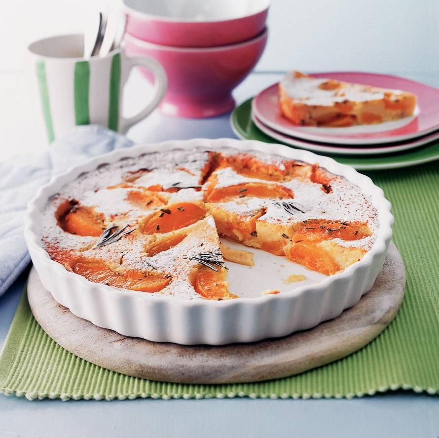 Perzik-rozemarijntaart