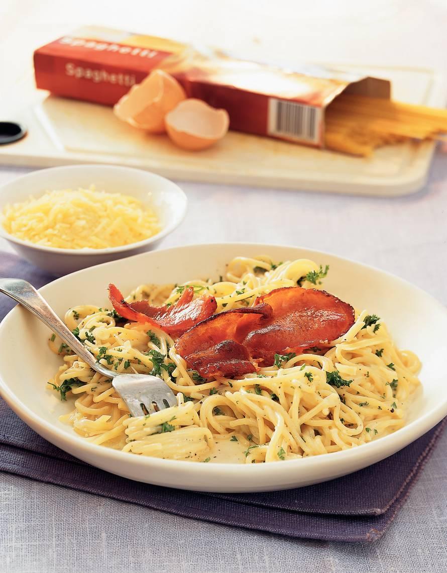 Smeuïge spaghetti carbonara