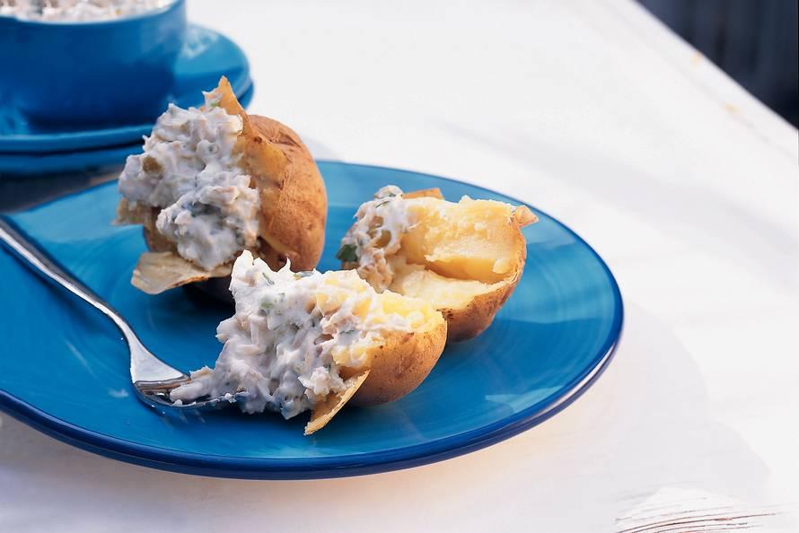Gepofte aardappels met tonijncrème