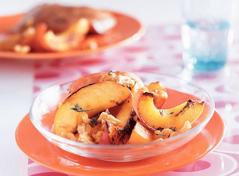 Geroosterde perziken met noten