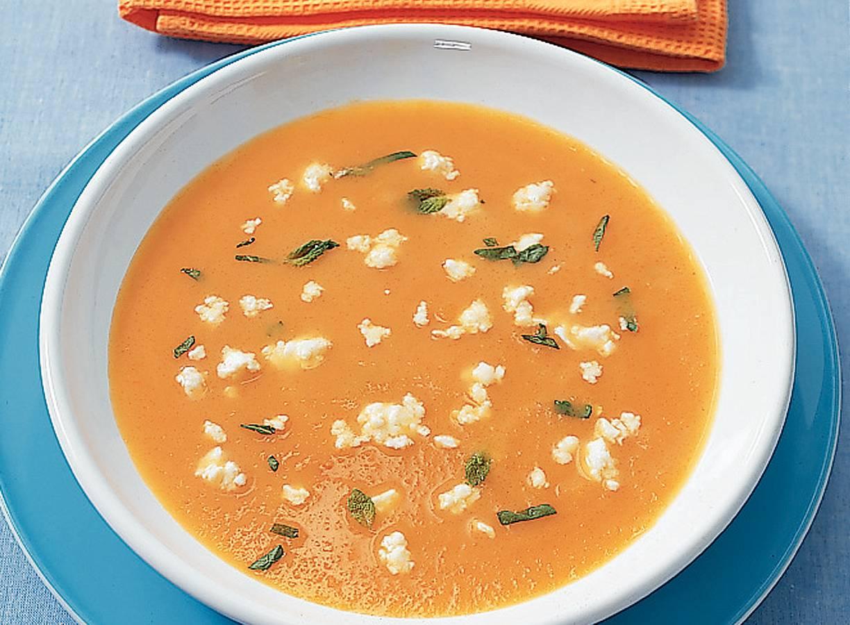 Pompoensoep met witte kaas en munt