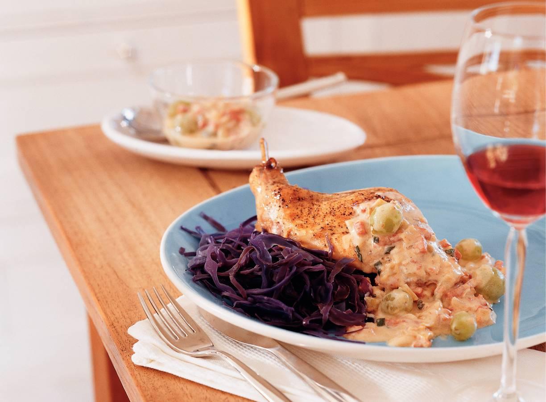 Konijn met saliesaus en druiven