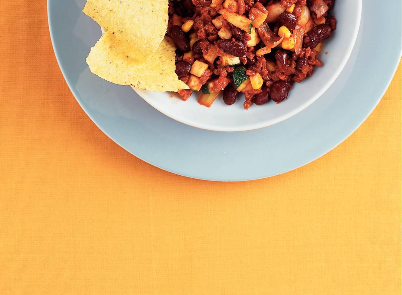 Chili met maïs en courgette