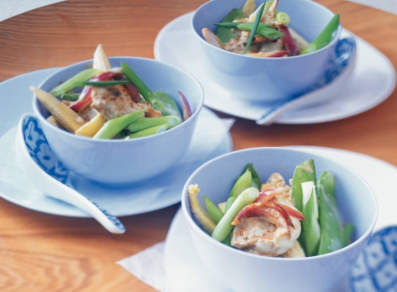 Curry van varkenshaas met voorjaarsgroenten