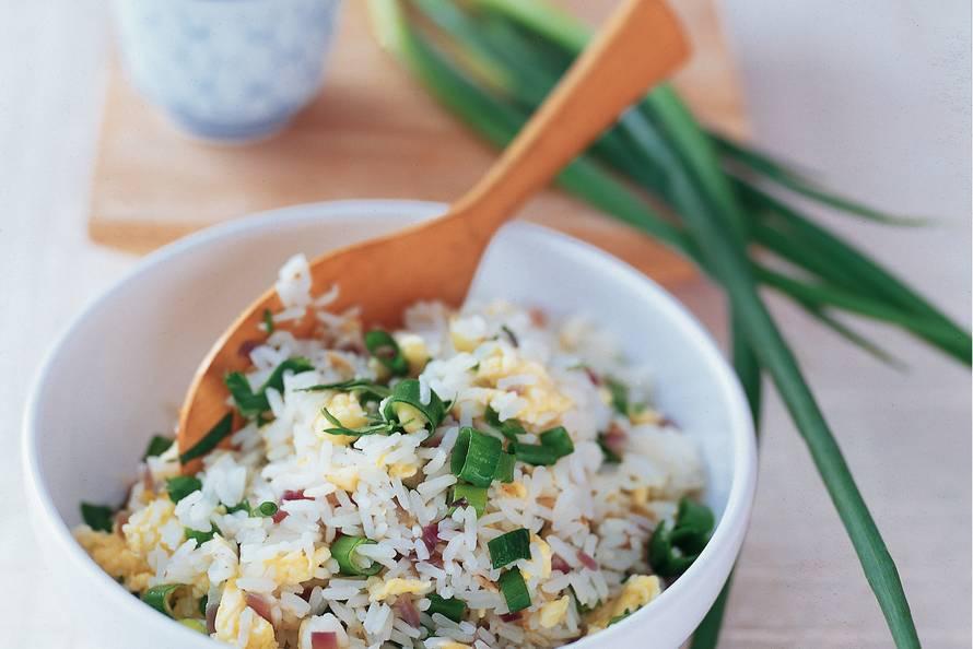 Gebakken rijst met bosui en koriander