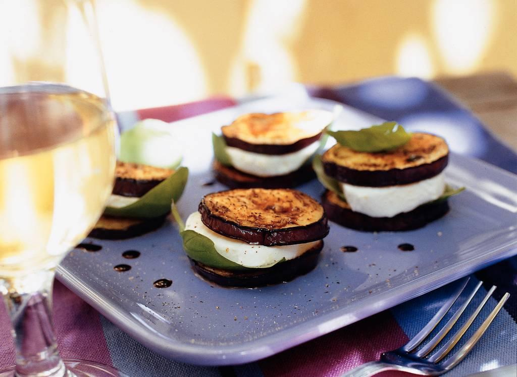 Gebakken aubergine met mozzarella - Albert Heijn