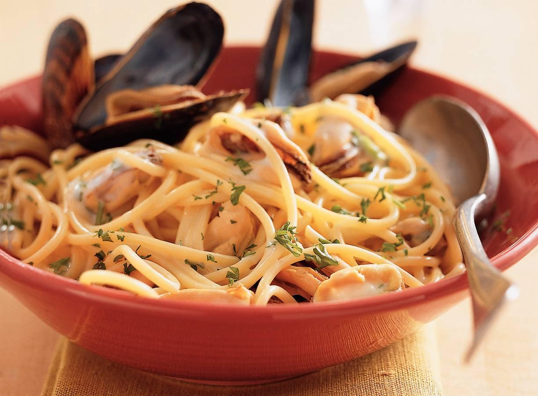 Spaghetti met mosselen en witte wijn