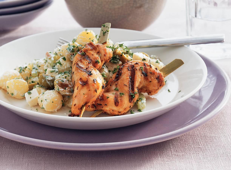 Griekse kipspiesjes met krieltjessalade