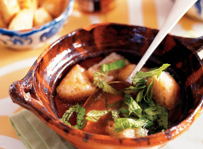 Sopa com hortelã fresca - Broodsoep met verse munt