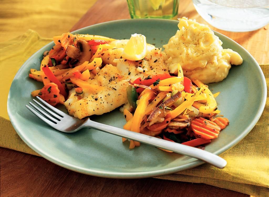 Kabeljauw met Provençaalse groenten en  aardappel-knoflookpuree - Albert Heijn