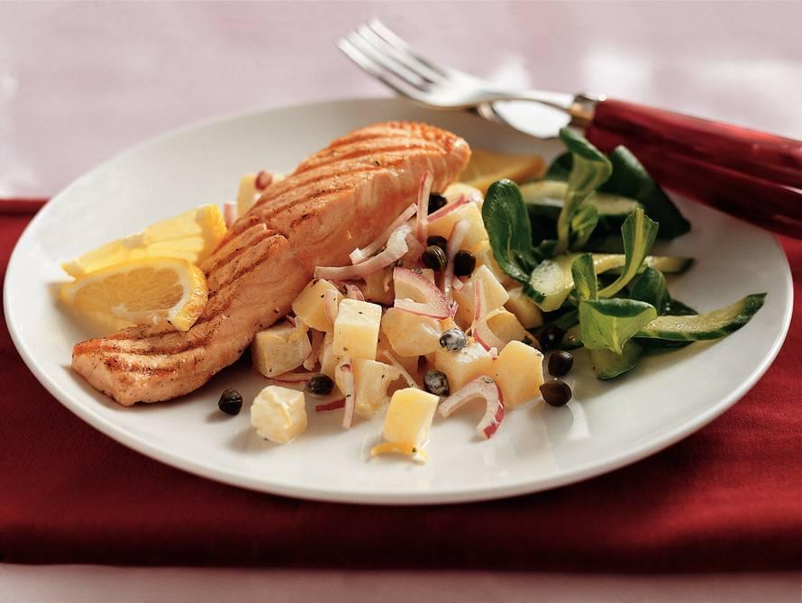 Gegrilde zalm met aardappelsalade