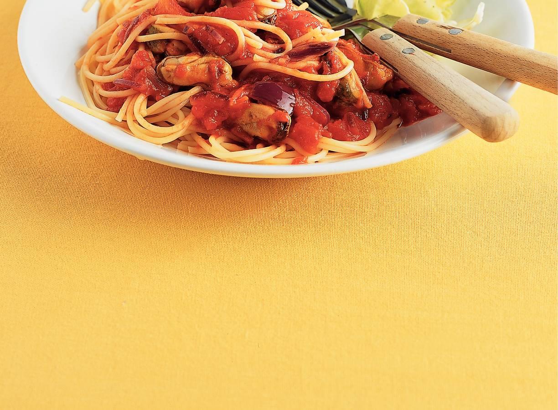 Spaghetti met mossel-tomatensaus