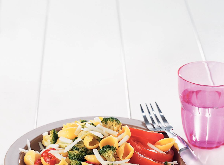 Schelpmacaroni met broccoli en geitenkaas
