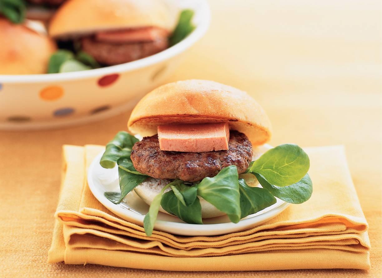Minihamburger met truffelpaté