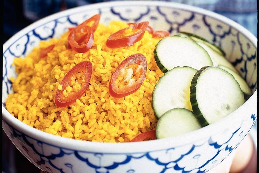 Nasi koening (gele rijst)