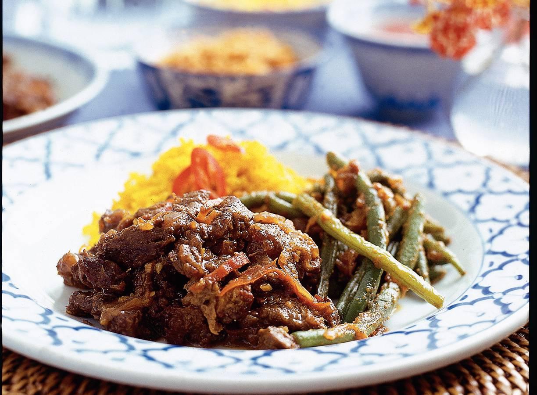 Smoor daging (in ketjap gesmoord rundvlees)