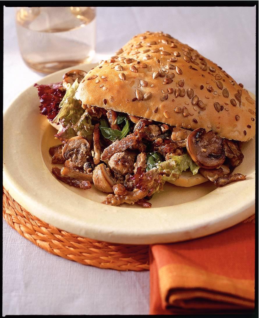 Broodje met romige vleesreepjes