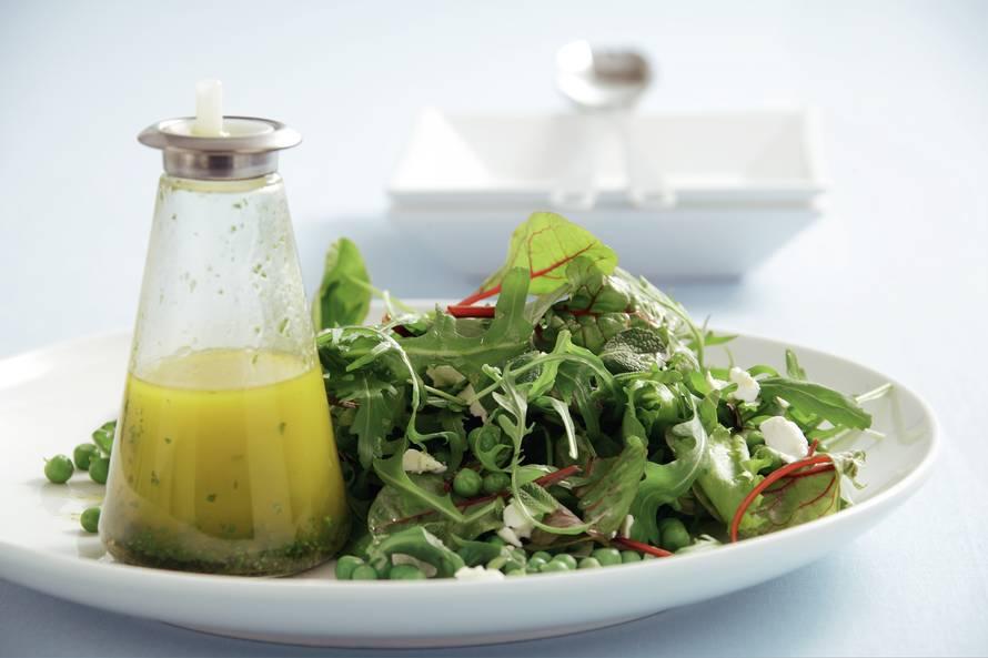 Salade met muntdressing